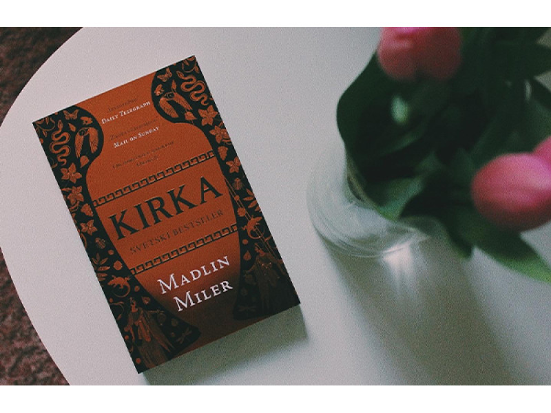 Prikaz knjige ''Kirka'' autorke Madlin Midler